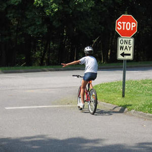 Small good20bicycle20stop20and20turn