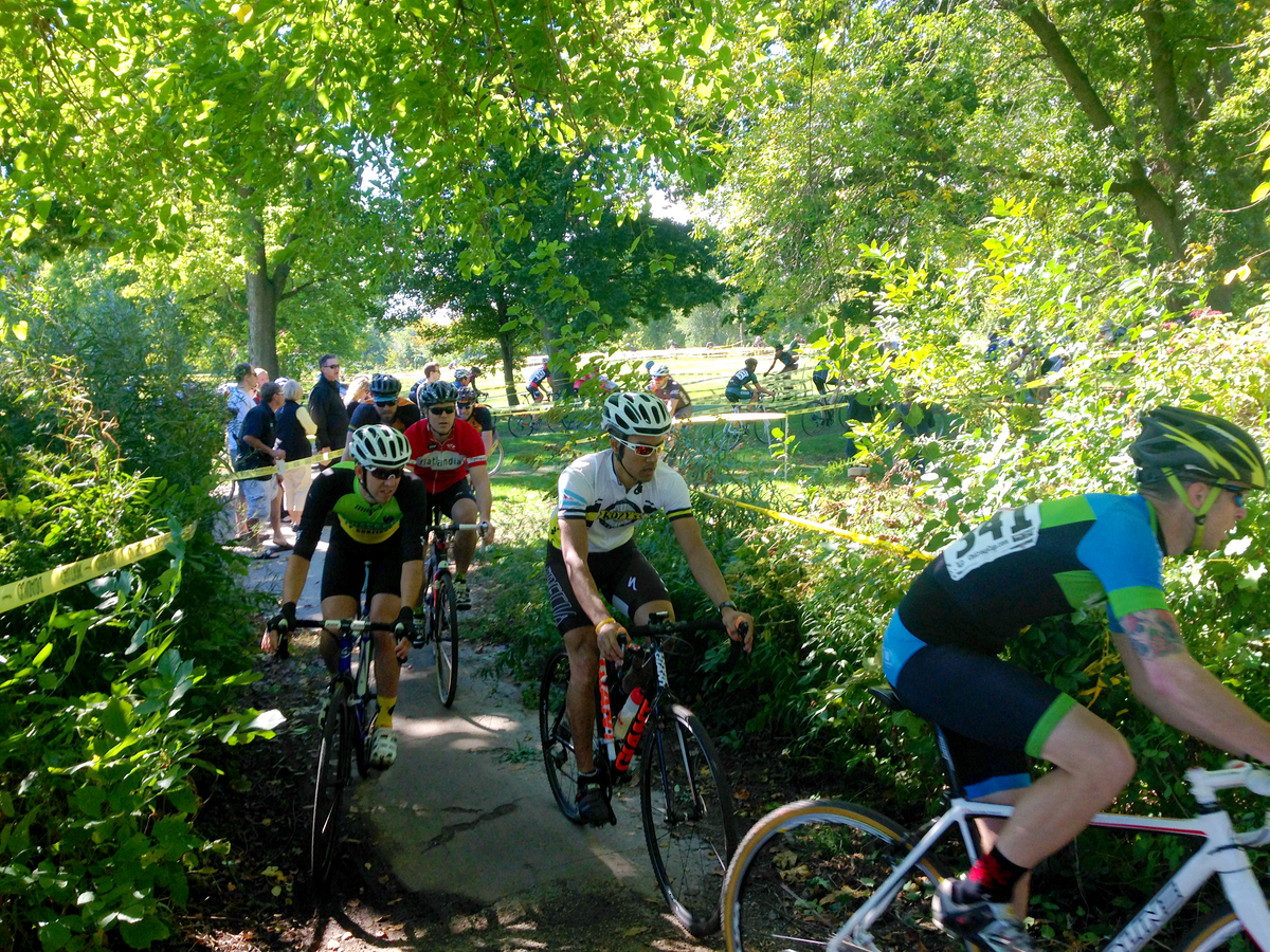 Seyamack racing at the Chicago cross cup