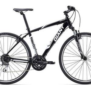 2016 Giant Roam 3 Hybrid Bike