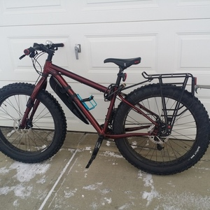 2015 Salsa Salsa double-butted 7005-aluminum w/ alternator drop-outs 175 km rear hub spacing