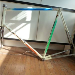 1985 Gianni Motta Personal 2001R  White, Green, and Red