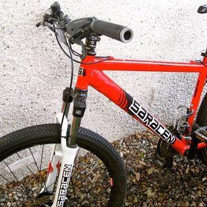 2011 Saracen Cycles Mountain bike  Red
