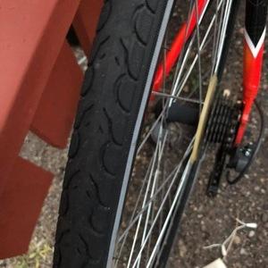 2019 CCM 6160 Aluminum presto shins I Red, White, and Black