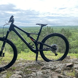 2019 Specialized Stuntjumper Comp Carbon Black