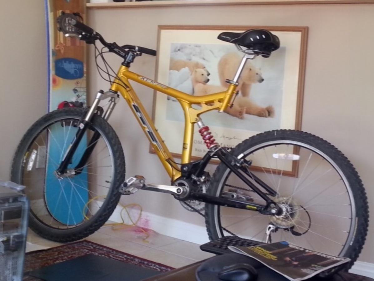Stolen 1999 Gt Bicycles Xcr 3000